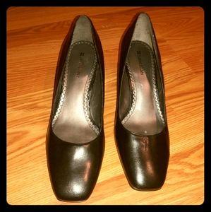 Black heel leather square toe sz10 Naturalizer